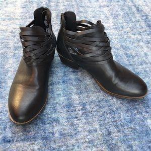 SO ankle boots, zip back, black, sz 8